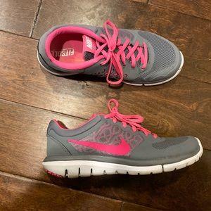Nike Women's tennis shoe size 7